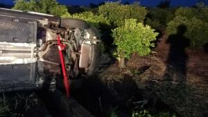 El cotxe va eixir de la via en la V-30 i va bolcar