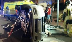 El vehículo quedo totalmente volcado tras el accidente