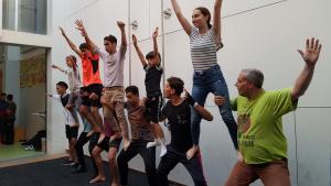 Els joves del Circ Social va presentar les seves acrobàcies de la Moixiganga de Reus