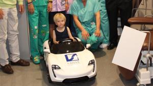 Els més petits de l'Hospital Joan XXIII entraran a la UCI Pediàtrica en cotxe