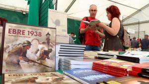 Els organitzadors treballaran amb el gremi de llibreters per acostar els títols dels espectacles literaris