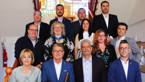 Els tretze regidors de l'Ajuntament de Roda de Berà, en una imatge presa el dia del ple de constitució de l'Ajuntament.