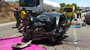 Grave una mujer tras chocar su coche con un camión en Santomera, Murcia