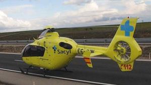 Imagen de un helicóptero de Sacyl.