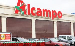 Imagen del exterior de un supermercado Alcampo.