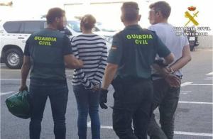 Imatge de la parella detinguda en Torrevieja