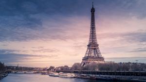 La emblemática Torre Eiffel de París