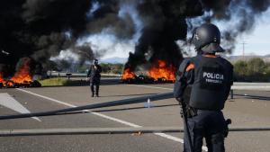 La Fiscalia arxiva la investigació als Mossos per no impedir el tall de l'AP-7