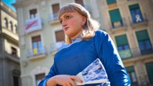 La geganta la Vitxeta estrena pentinat enguany per Sant Pere