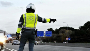 La Guardia Civil trabaja para identificar a la persona fallecida en el accidente