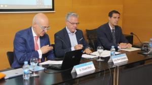 La presentació de les jornades organitzades per l'APCE, amb la presència de l'alcalde de Salou, Pere Granados.