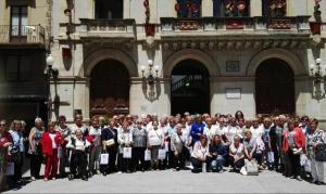 La tècnica de l'Oficina de Turisme de Valls va oferir a totes les participants una visita guiada a diferents punts d'interès de Valls,