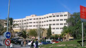 La víctima ha sido atendida en el Hospital de Elda