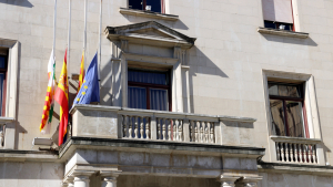 L'Ajuntament de Figueres ha tret la pancarta a favor de l'autodeterminació del seu balcó
