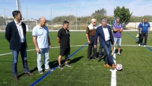 L'alcalde de Salou, Pere Granados, en la inauguració del camp de futbol aquest dissabte al migdia.