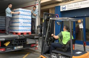 Mercadona ha donat 13.500 litres de llet al Banc dels Aliments de les comarques de Tarragona.
