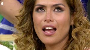 Miriam Saavedra se emocionó ante la llamada de Carlos Lozano