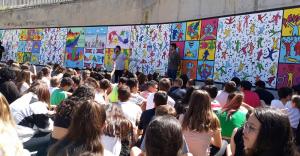 Mural #Desafiem l'assetjament LGTBIfòbic de l'INS La Serreta