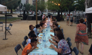 Sopar de germanor de la festa de benvinguda dels infants sahrauís en l'anterior edició