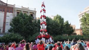 Un 3de9 amb folre de la Colla Joves Xiquets de Valls a la diada del Pati