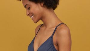 Un bañador moldeador de H&M con estilo y que funciona