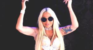 Un frame del nuevo videoclip de Leticia Sabater