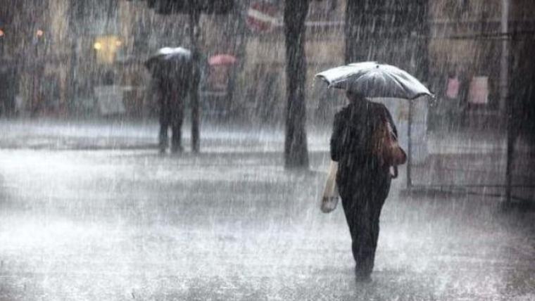 Aquest dimarts arriben pluges arreu i una forta baixada de les temperatures