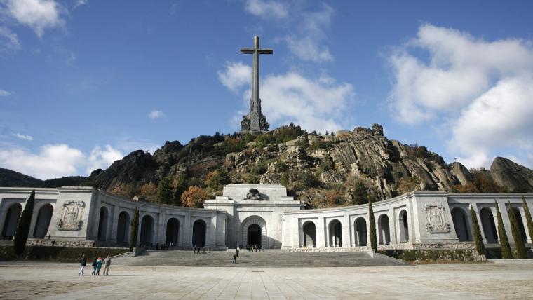 Un jutge ha suspès l'exhumació de Franco
