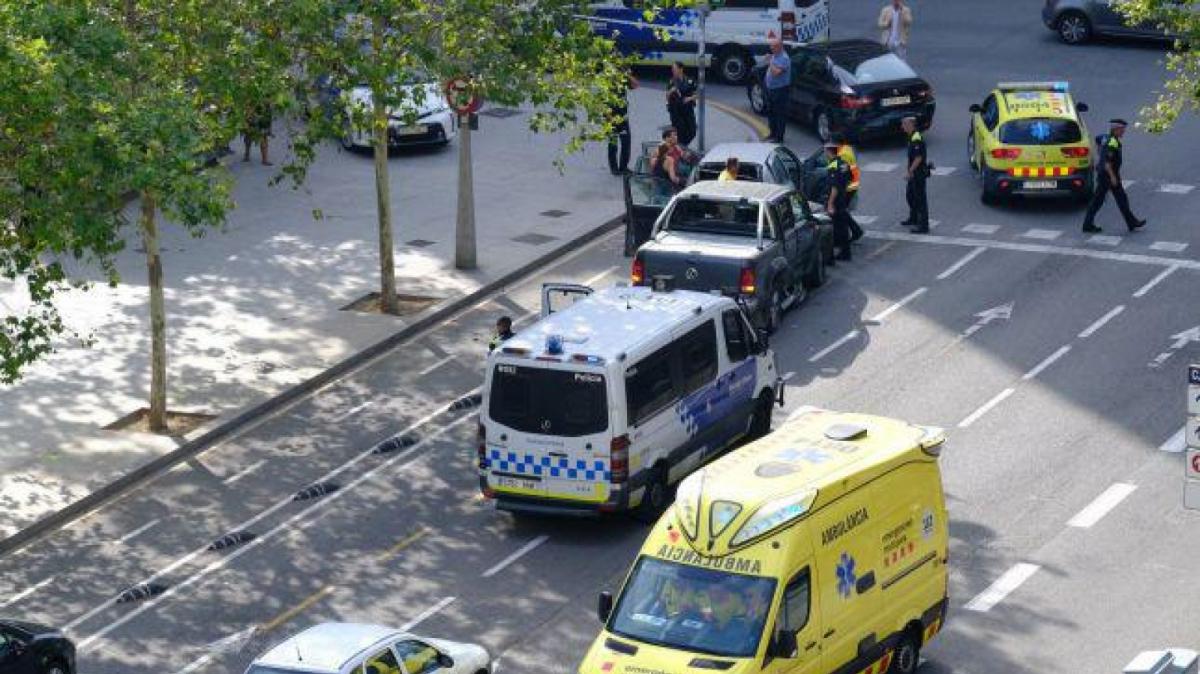 Accident múltiple a l'Eixample de Barcelona.