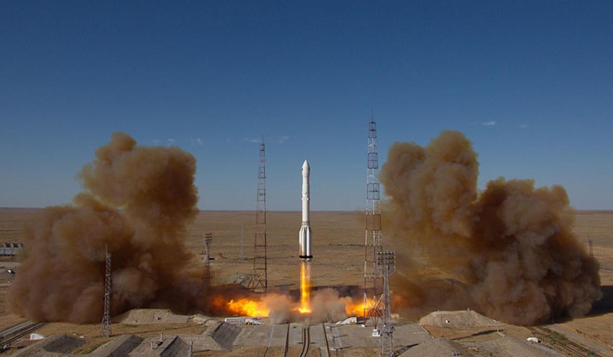 La ignició del coet Proton que ha dut el Spektr-RG a l'espai