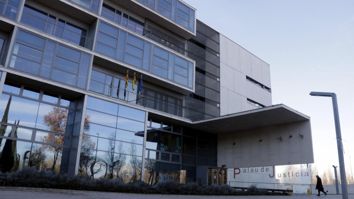 L'Audiència de Girona el considera culpable de dos delictes da'gressió sexual i maltractament
