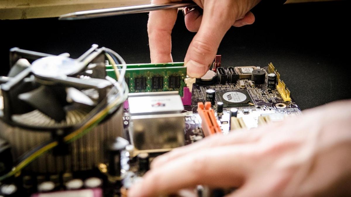 Leandro Andrés és graduat en Enginyeria Informàtica