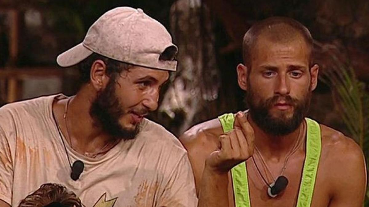 Omar y Albert discuten en la palapa de 'Supervivientes'
