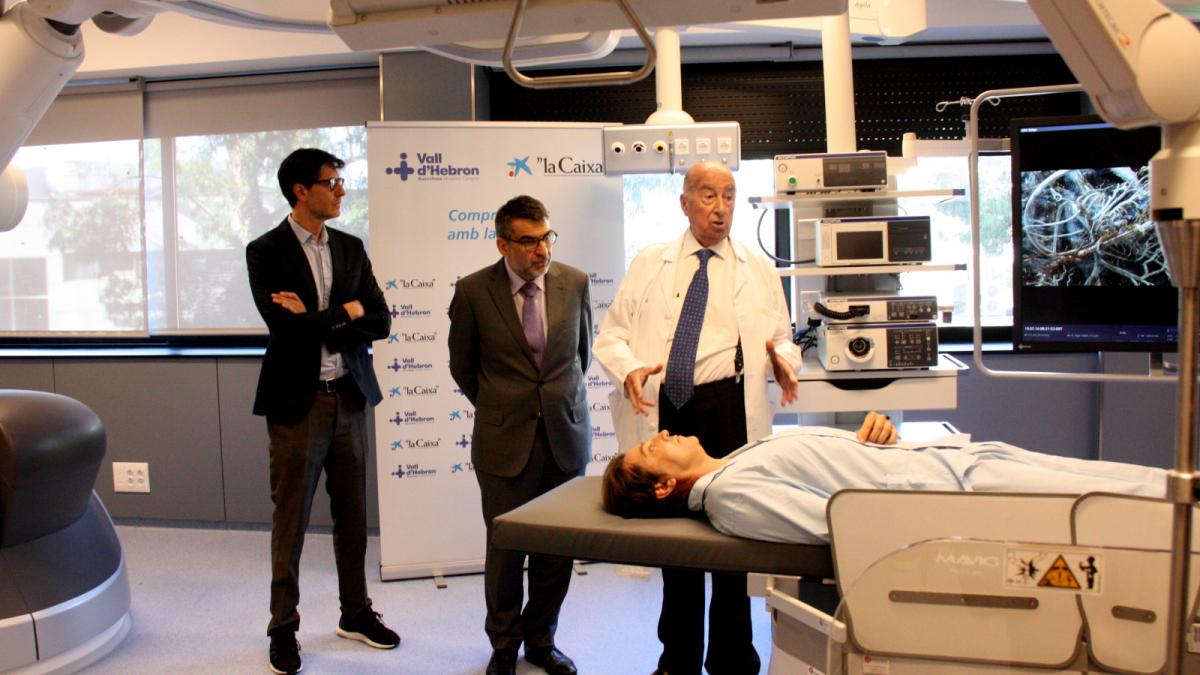 Vall d'Hebron estrenarà el robot radiològic que millorarà notablement les endoscòpies
