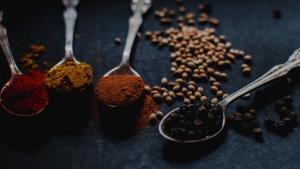 20 especias y otros tipos de condimentos naturales