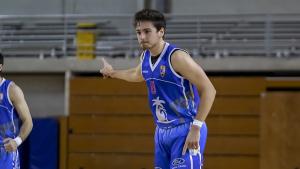 Adrià Duch, en acció en un partit de lliga
