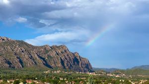 Arc de Sant Martí a Montserrat després de les tempestes de dimarts a la tarda