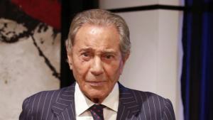 Arturo Fernández  ha cancel·lat durant un temps les funcions de la seva obra de teatre