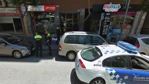 Captura de GoogleMaps del carrer Pere Martell amb el cadàver a terra i tapat amb una manta.