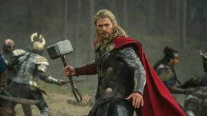 Chris Hemsworth como el dios del trueno en 'Thor: el mundo oscuro'