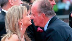 Corinna y el Rey Juan Carlos coincidiendo en un acto público