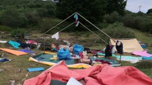 Desperfectos en un campamento dónde los menores fueron evacuados
