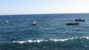 Diferentes embarcaciones de los servicios de emergencia lo han buscado en el mar