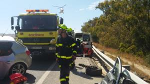 Dos vehículos chocaron frontalmente en la N-340 en Tarifa