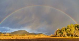 El domingo, las lluvias dispersas en la mitad norte generarán algún arco iris como este