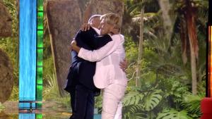 El emotivo abrazo entre Jorge Javier y Chelo