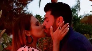 El primer beso en las redes de Paula Echevarría y Miguel Torres