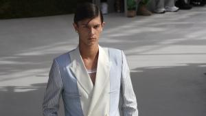 El príncipe Nicolás de Dinamarca desfiló en la presentación de la nueva colección para hombre de Dior en 2019