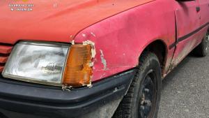 Estado del vehículo con el que un hombre ha atropellado a otro, además de perseguirlo con una guadaña en Campoo de Yuso