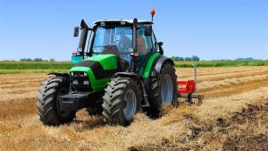 Fallece un hombre al quedar atrapado bajo su tractor en Orihuela